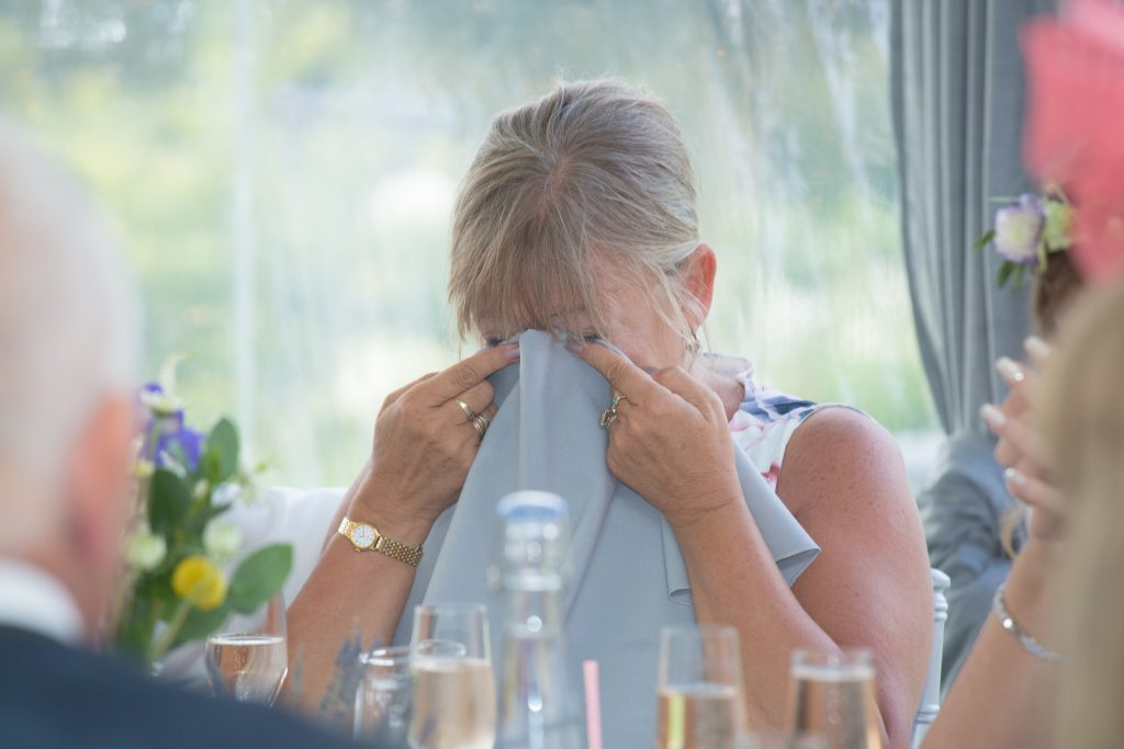 brides mum crying during speeches