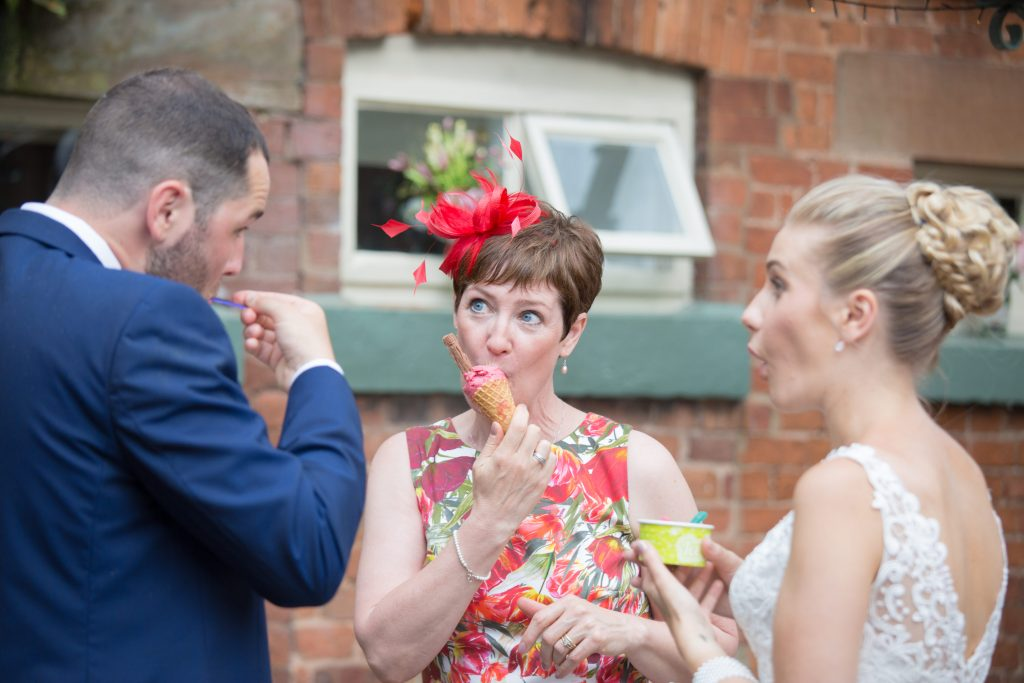 wedding guests eating ice-cream