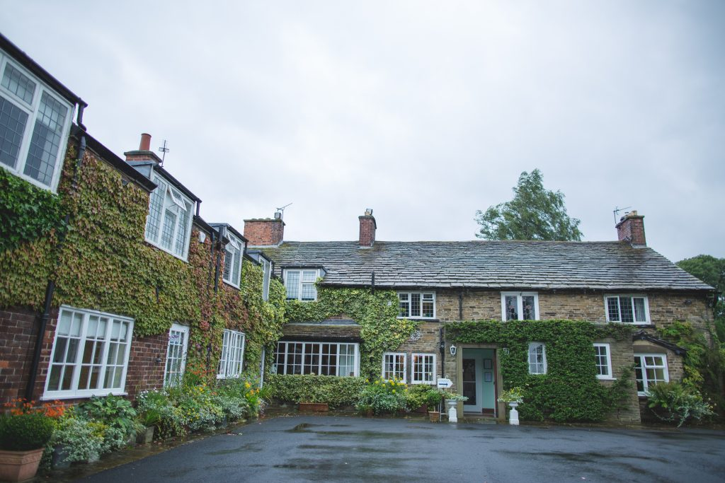 Photo of the outside of Hilltop country house